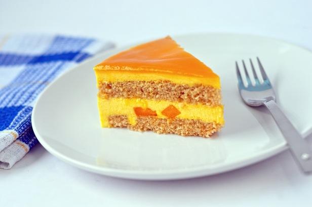 Mango_mousse_cake_(8201823494)